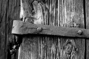 iron-hinge