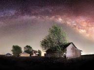 texas-night-sky-barn-milky-way_89541_990x742