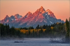 A fall morning at sunrise along the Teton Range with the Snake River, Grand Teton National Park, Wyoming, USA.