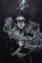 5f6936eb2085f4d0e28fa9bf62694dbc--dark-photography-photography-women